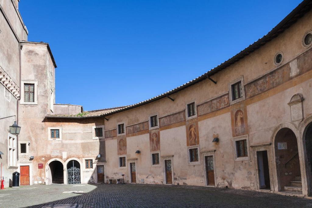 Sant'Angelo Kalesi'nin İçi (2)