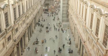 Uffizi Galerisi Avlusu-2