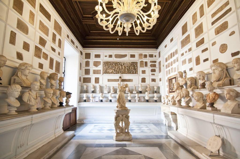 Kapitoline Müzeleri Salonlarından Kareler (1)