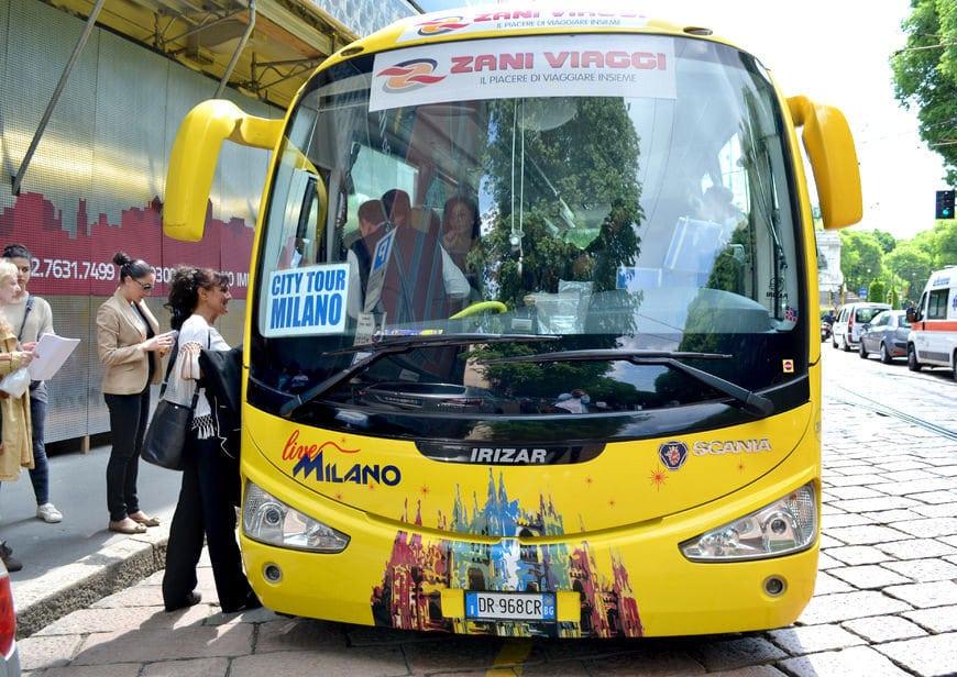 Milano Duomo Meydanı Tur Otobüsü
