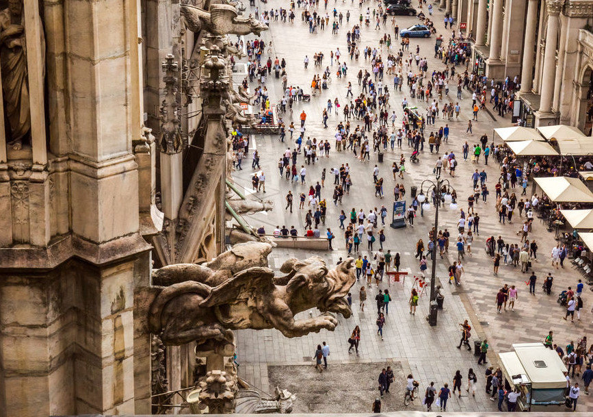 Milano Duomo Katedrali Çatısından Manzara