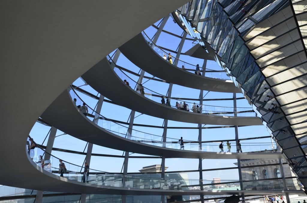 Reichstag Kubbe Rezervasyonu