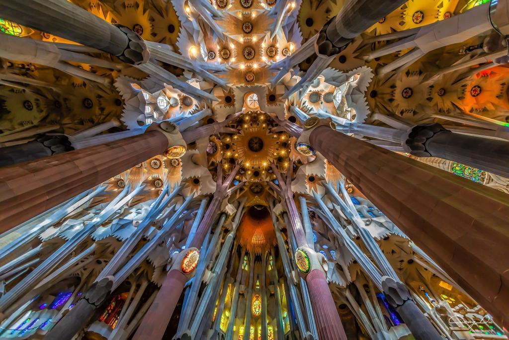 Sagrada Familia içi