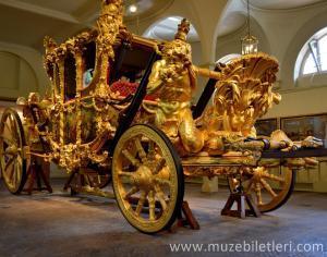 Kraliyet Ahırları'nda yer alan Altın Kaplama At Arabası - Golden State Coach