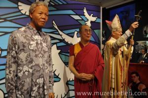 Madame Tussauds London Müzesi'nde tüm dünya liderlerinin balmumu heykellerini görebilirsiniz.