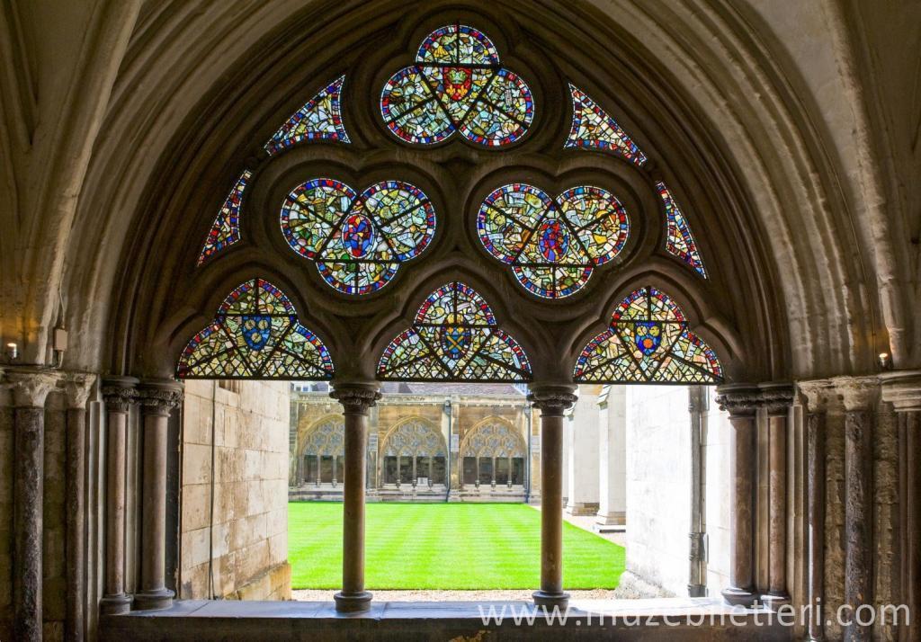 Westminster Abbey Manastırı'ndan vitray detayları
