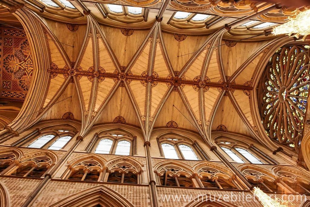 Westminster Abbey'in muhteşem tavanı