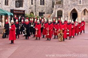 Windsor Sarayı'nda Nöbet Değişim Töreni