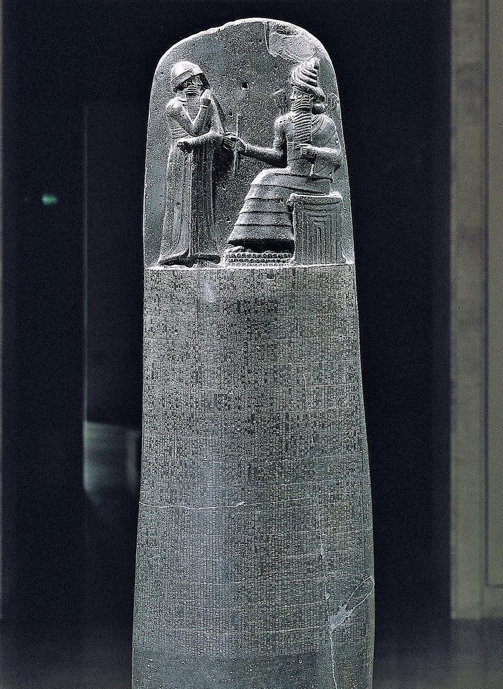 Hammurabi-Kanunlar%C4%B1-Louvre-M%C3%BCz