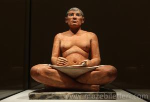 Meşhur Antik Mısır Heykeli - Oturan Katip. Sully Kanadı, Antik Mısır bölümünde sizleri bekliyor.