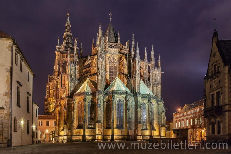 Aziz Vitus Katedrali - Gece Vakti - Prag Kalesi