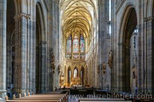 Aziz Vitus Katedrali'nin İçi - Prag Kalesi