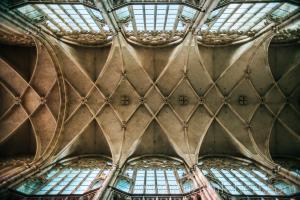 Aziz Vitus Katedrali'nin Nave bölümü (çatısı) - Muhteşem detaylar.