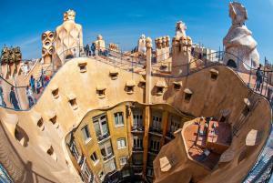 Casa Mila'nın (La Pedrera) Çatısından Detaylar - Antoni Gaudi, Barselona, İspanya.