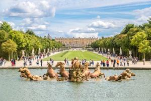 Versay Sarayı'nın bahçesinde yer alan Apollo çeşmesi.
