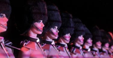 Crazy Horse Paris Gece Kulübü Şovu