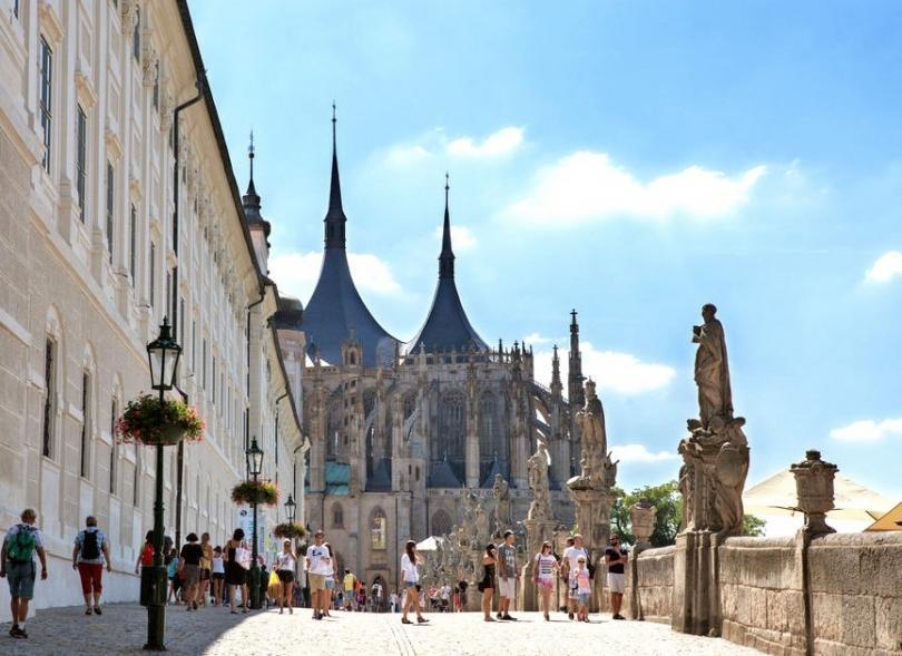 Prag Kutna Hora ve Kemik Tapınağı Turu