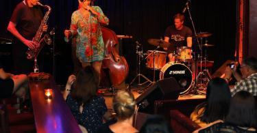 Prag Reduta Jazz Kulübünde Konser