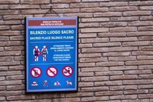 Vatikan Kıyafet Kuralları