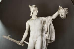 Medusa başı ile Perseus - Antonio Canova