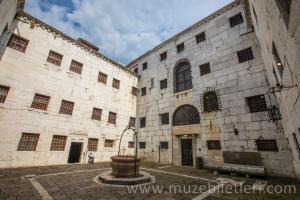 Dükler Sarayı'nın Hapishaneleri